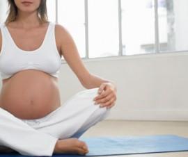 Soin Femme Enceinte posture de méditation